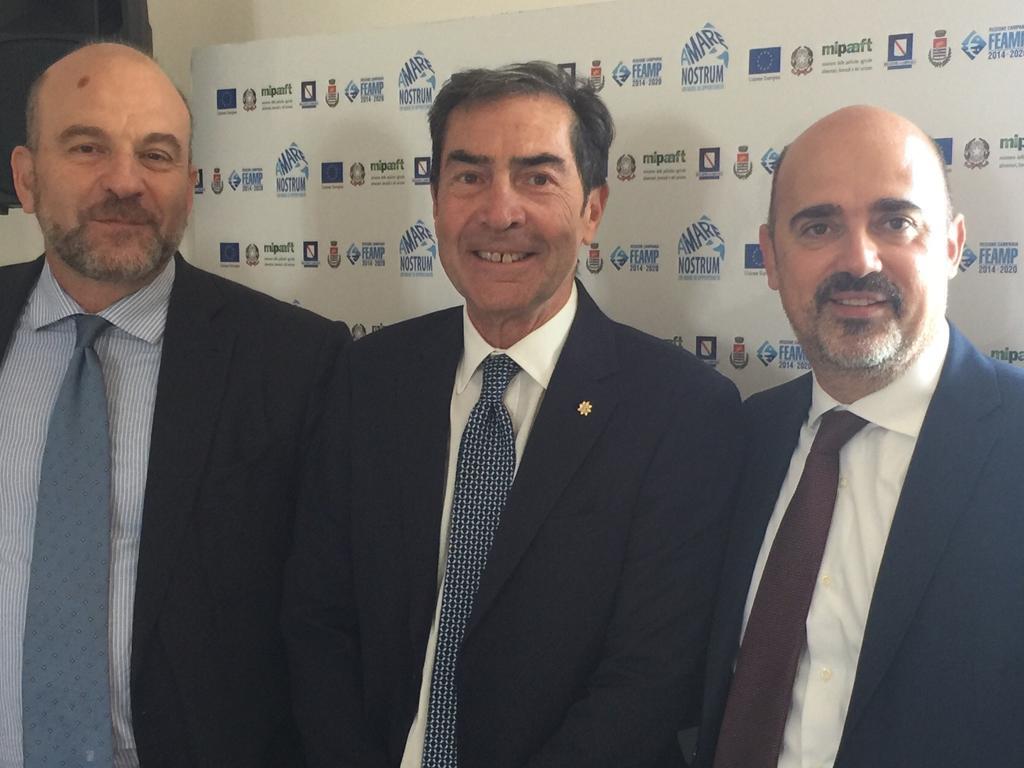 Il presidente Macale con il direttore generale del MIPAF dott. Rigillo e il sottosegretario con delega alla pesca Andrea Manzato